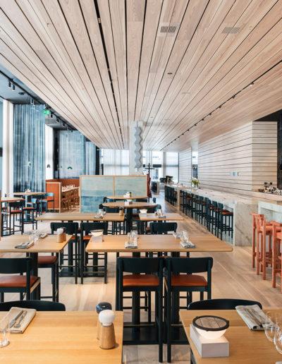 Gustafs: Gustafs Plank, produkt inom Gustafs Linear System, Lykke & Löjromsbaren på Nordic Light Hotel i Stockholm