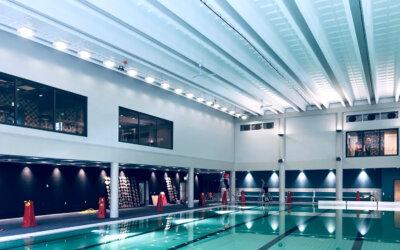Väggabsorbenter i två nivåer – simhallen Himlabadet i Sundsvall