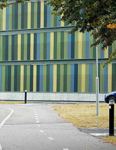 Flexplåt: Aluminium i sex kulörer, parkeringshuset Kanikenäsbanken, Karlstad
