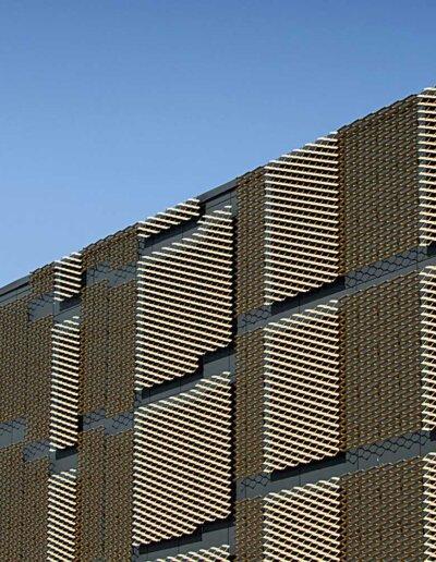 Flexplåt: Sträckmetall i aluminium, Talamus byggnad 74, Södersjukhuset, Stockholm