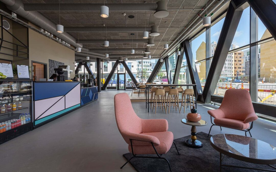 En kontorsmiljö med fokus på välbefinnande
