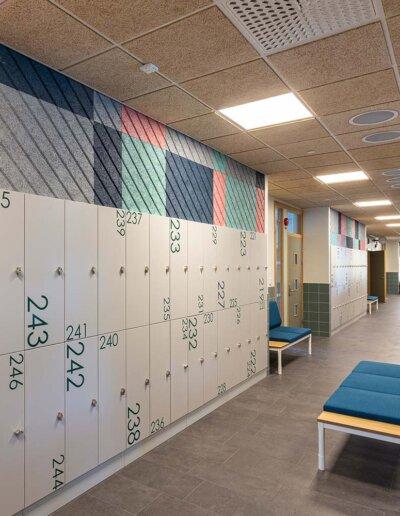 Troldtekt: Troldtekt akustikplattor i naturträ och specialfärger - Limhamnsskolan, Malmö
